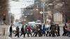 Пешеходов, переходящих улицу в неположенных местах и на красный свет, ждут штрафы