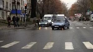 Наглости нет предела: как водитель позволяет себе ездить по столичным улицам (ВИДЕО)