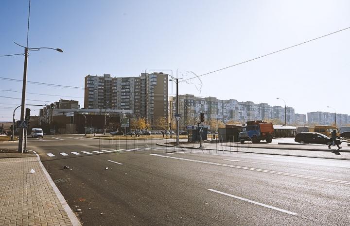 Завершился ремонт дороги по столичной улице Иона Думенюка (ФОТОГАЛЕРЕЯ)