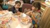 Дети, страдающие кистозным фиброзом, участвовали в мастер-классе по приготовлению печенья