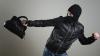 Пробрался через черный ход и украл сумки работников заведения (ВИДЕО)