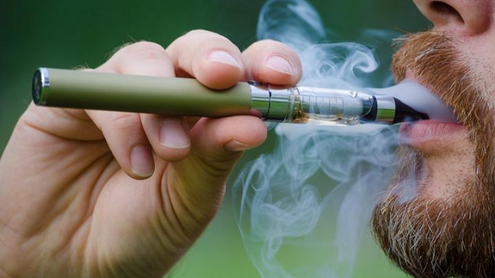 Электронные сигареты намного опаснее обычных, доказал анализ