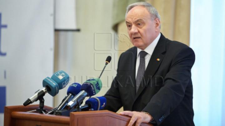 Николай Тимофти на первом пленарном заседании нового парламента: Народ ждет хороших законов