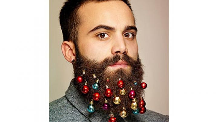Британская компания создала рождественские украшения для бороды