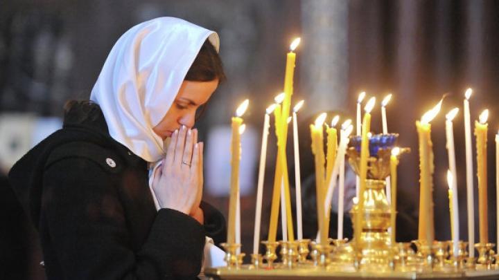 Сотни верующих пришли в церковь Св. Феодоры из Сихлы на рождественское богослужение