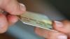 Официант и бармен кишиневского ресторана крали деньги с банковских карт клиентов
