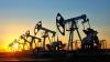 Цена нефти на мировых биржах упала ниже 50 долларов за баррель