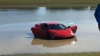 Неопытный водитель вылетел в пруд на 2000-сильном Lamborghini Gallardo (ВИДЕО)