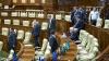 Депутаты парламента возвращаются к работе после праздников
