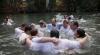 Тысячи христиан повторили символический обряд крещения в водах Иордана