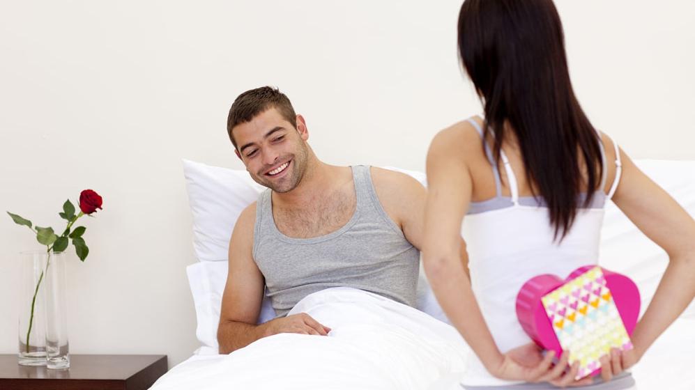 Что подарить взрослому мужчине на день влюбленных