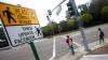 Оригинальные дорожные знаки появились в калифорнийском городе Хэйворд