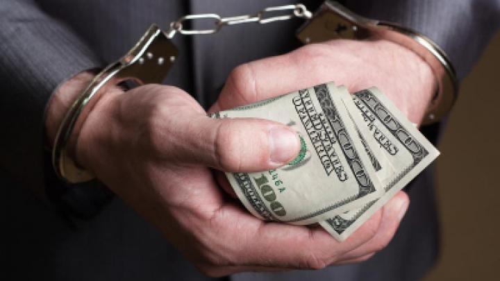 В прошлом году прокуроры возбудили более 400 уголовных дел по факту уклонения от уплаты налогов