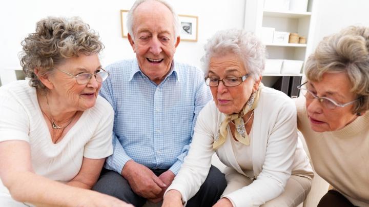 Открытие: с возрастом люди начинают больше доверять другим