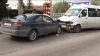 Лобовое столкновение в столице: пьяный водитель врезался в микроавтобус