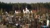 Погуляли на Радоницу: тонны бытовых отходов у могил и десятки попавших в больницу с алкогольным отравлением