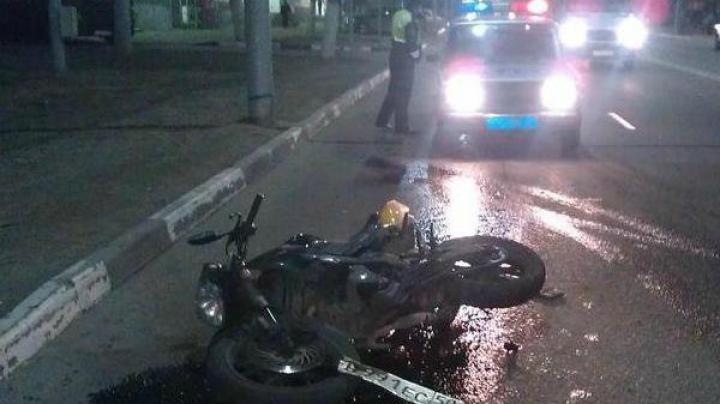 В России пьяный молдавский водитель сбил мотоциклиста с пассажиром (ФОТО)