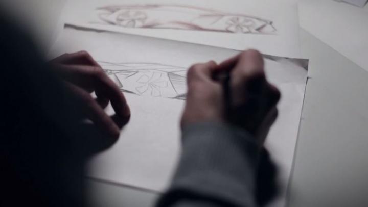 Peugeot опубликовала первый тизер нового суперкара (ВИДЕО)