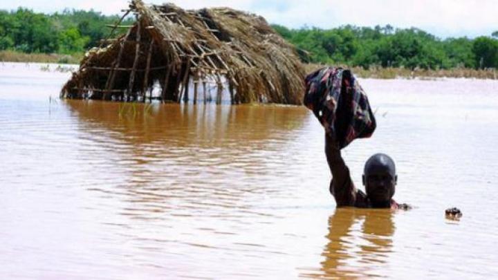 Около десяти человек погибли в результате наводнения в Найроби