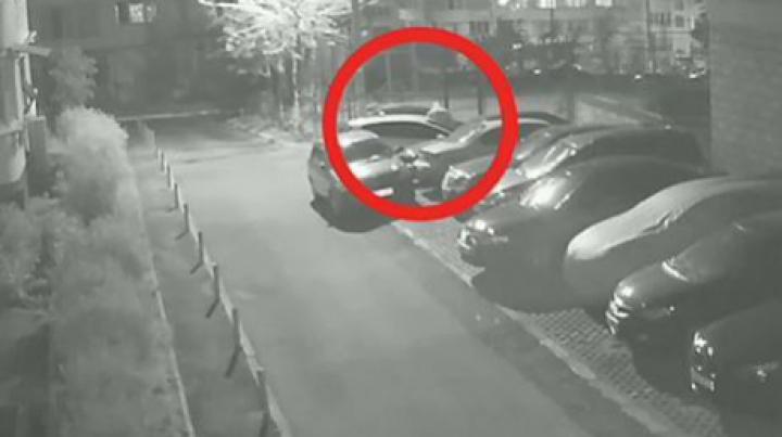 Жительница Кишинева обнаружила с утра свою машину в царапинах