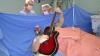 Бразилец сыграл на гитаре во время операции на мозге