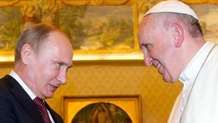 Папа римский Франциск призвал Путина искренне содействовать миру на Украине