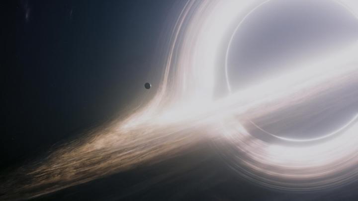 Ученый: черная дыра может проглотить Землю, и никто не заметит