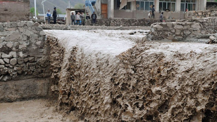 В Грузии объявили 15 июня днем траура по жертвам наводнения