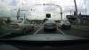 Нетерпеливый водитель выехал на встречную полосу на красный сигнал светофора (ВИДЕО)