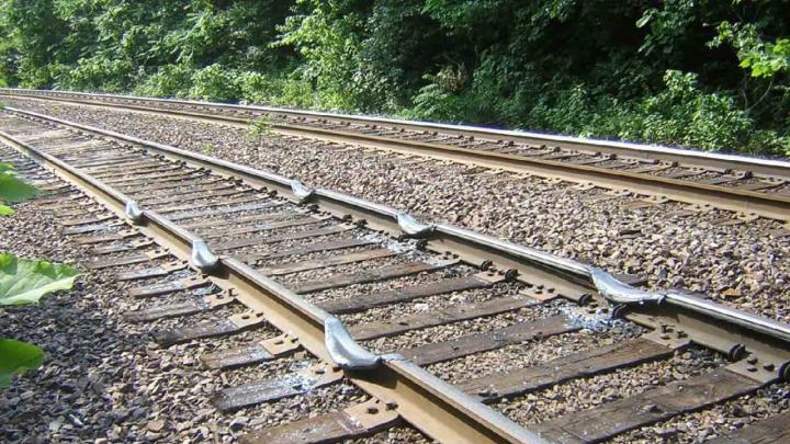 В Казахстане сошел с рельсов поезд с 16 цистернами с бензином