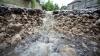 Потоп на Буюканах: прорвало магистральную трубу диаметром полметра
