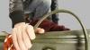 Будьте осторожны: на одной из столичных террас ограбили девушку (ВИДЕО)