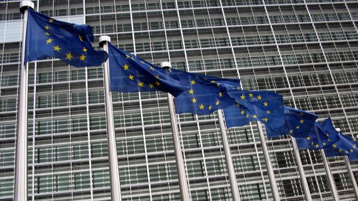 """Еврокомиссия поделит страны происхождения беженцев на """"безопасные"""" и """"опасные"""""""