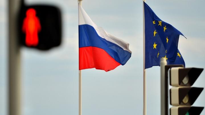 СМИ: ЕС готов продлить санкции против России до марта 2016 года