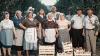Молдавские фермеры перепели «The Show Must Go On»