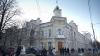 Автомобиль въехал в здание Генерального управления архитектуры столичной мэрии (ФОТО)