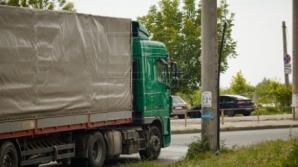 Фура переехала женщину рядом с пешеходным переходом на Рышкановке