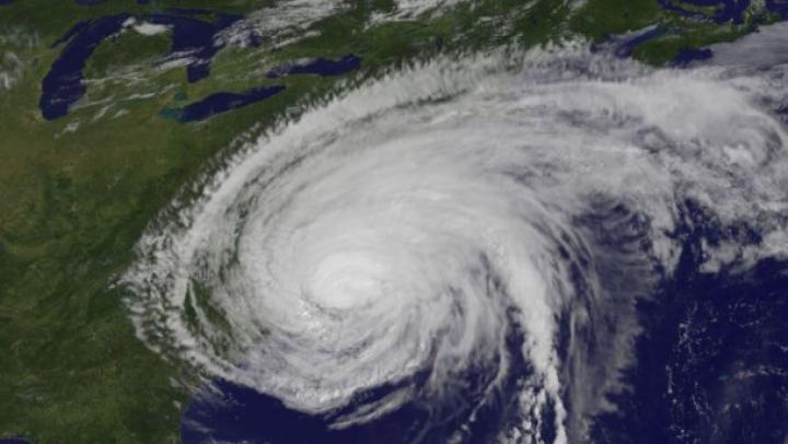 "Ураган ""Патрисия"" ослаб до тропического шторма"