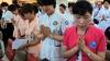 В Южной Корее родители молятся о сдаче детьми вступительных экзаменов