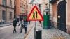В Стокгольме появился дорожный знак: «Осторожно, люди со смартфонами»