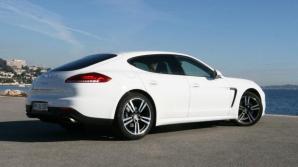 У безработной москвички угнали Porsche Panamera за 99 тысяч долларов