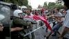Траурная акция протеста в Афинах переросла в столкновения с полицией