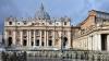 Врата собора святого Петра в Ватикане распахнулись перед десятками тысяч паломников