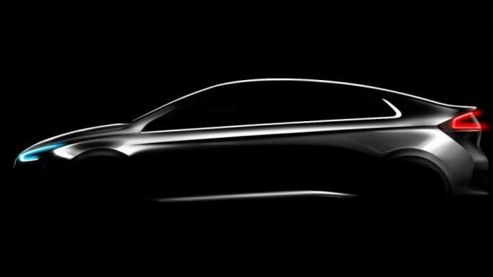 Hyundai показал силуэт новой эко-модели