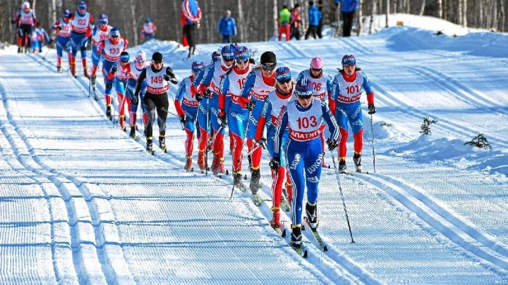Соревнования горнолыжниц на Кубке мира в Австрии отменили из-за теплой погоды