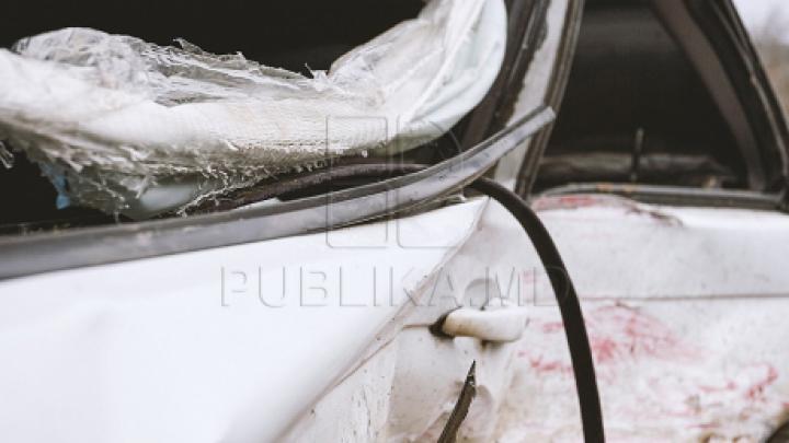 Рейсовый микроавтобус перевернулся на скользкой дороге (ФОТО)