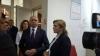 Премьер и глава минздрава посетили в Бухаресте пострадавшую при взрыве на Центральном рынке