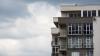 Двухлетний ребенок в Ростове-на-Дону выпал из окна десятого этажа и выжил