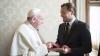 Леонардо Ди Каприо подарил Папе Римскому книгу с работами Босха