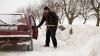 Обильные снегопады обернулись прибылью для торговцев лопатами